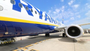 Drunk passenger headbutts flight attendant on Ryanair flight